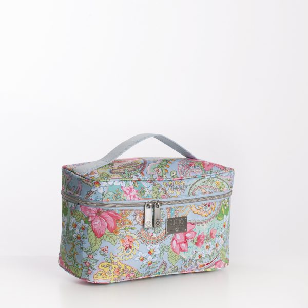 beautycase with print blue and pink flowers